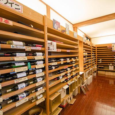 日本酒だけでなく、ワイン、洋酒など各種酒類も取り扱っております。