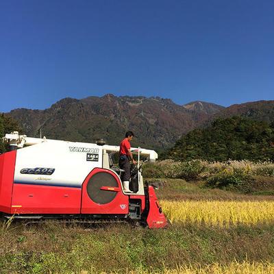 南魚沼の山々に囲まれた田んぼで気持ちを込めて米作りをしています