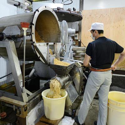 昔ながらの製法を守り丁寧な味噌作りを心がけております