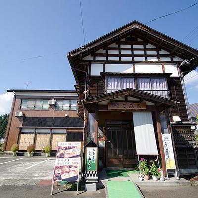 築150年以上の古民家を生かしつつ、バリアフリー設計となっております。