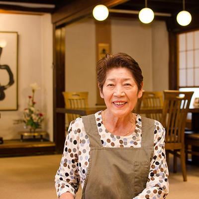 地元産そば粉を使ったお蕎麦に旬の野菜を使った天ぷらをご用意しております。