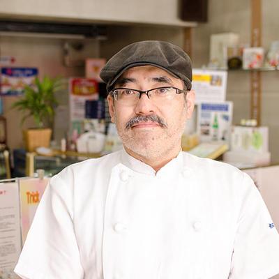 松月3代目として、地元の特産品、自然を活かした美味しいお菓子作りを心がけております。